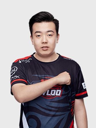 KRYSTAL profile photo